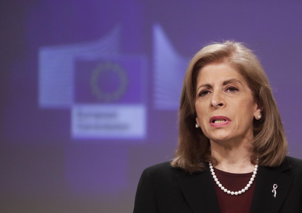 Ue: immunizzeremo il 70% dei cittadini per l'estate