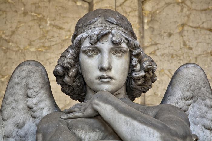 Risplendono monumenti funebri staglieno liguria for D angelo arredi funebri