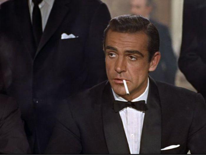 Si è seduto e ha fumato e ha pensato di quelli che lhanno lanciato