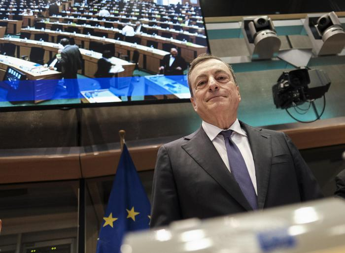 Draghi al parlamento europeo 39 fiducioso in un accordo for Oggi al parlamento