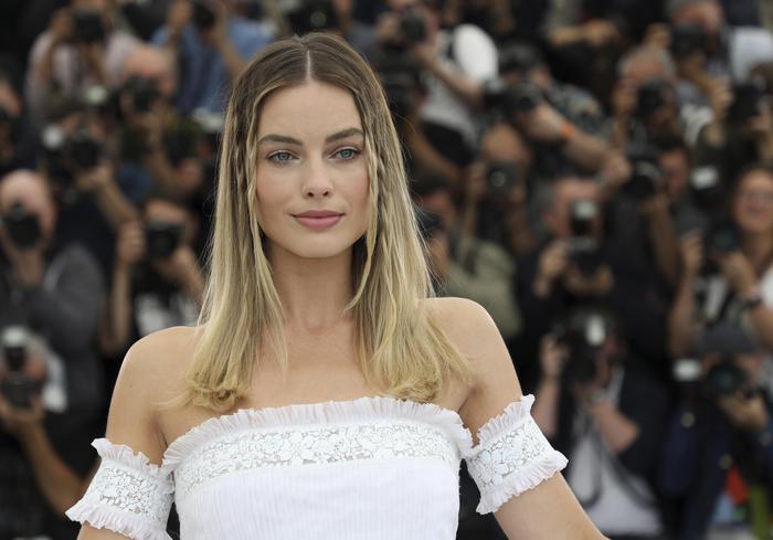 Margot Robbie, Una Luce Sul Red Carpet Di Cannes