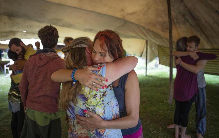 Giornata mondiale dell'abbraccio, toccasana contro ansia e stress