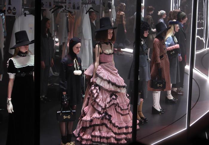 Il Coronavirus investe anche la Milano Fashion Week