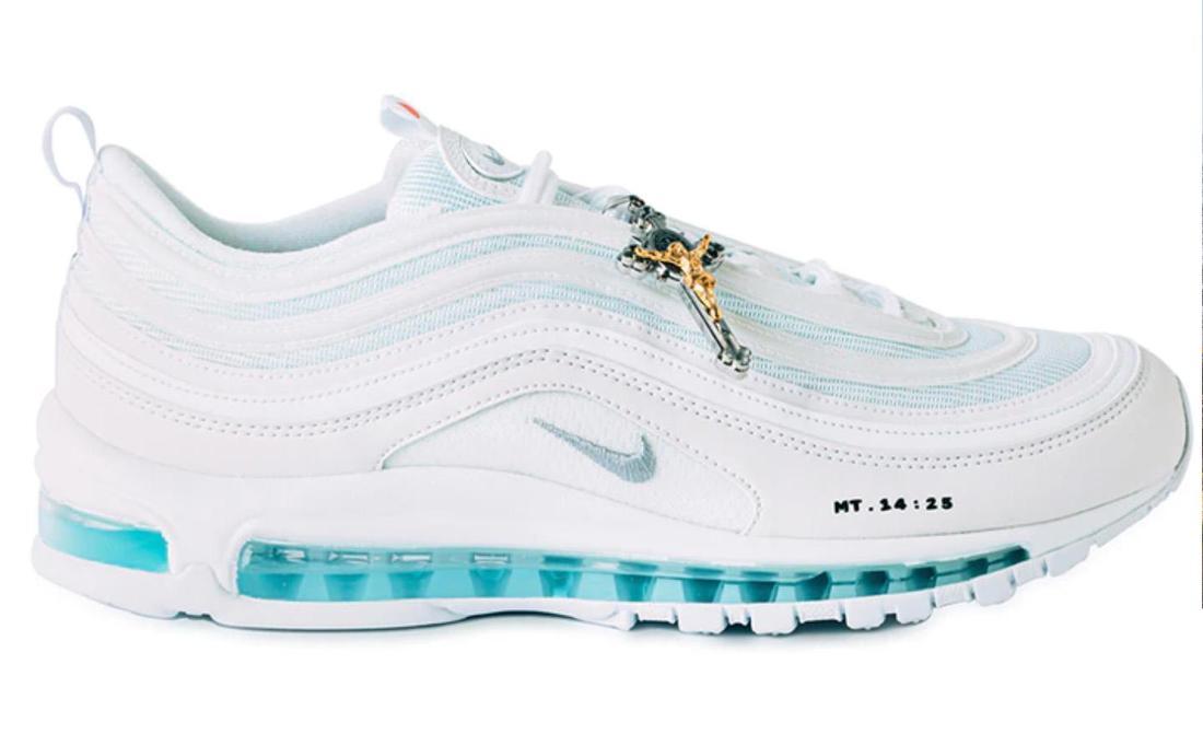 Jesus Sneaker, sono un caso le scarpe 'benedette' Moda