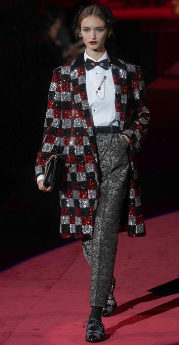6f2306467228 Dolce   Gabbana a Milano moda celebra l eleganza e il fatto a mano - Moda -  ANSA.it