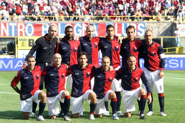Bologna-Genoa 1-3: felsinei con maglia del centenario ...