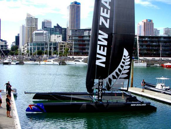 Coppa America: il catamarano Ac45 del team New Zealand