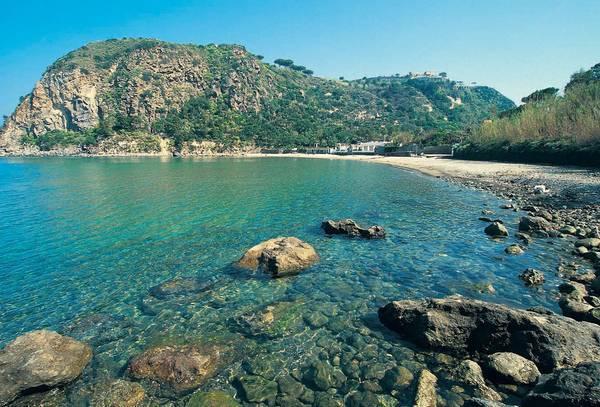 Vacanze mare ad Ischia | Le spiagge più belle e le ...