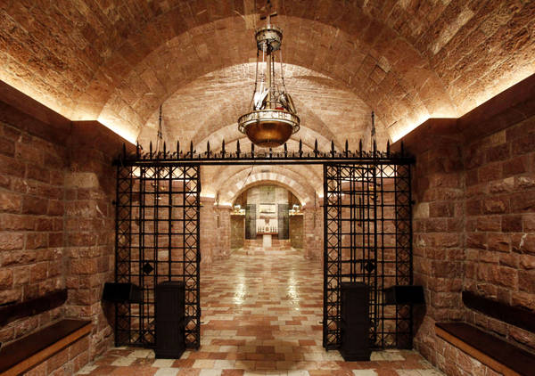 La Tomba di San Francesco appena restaurata nel Sacro Convento di S. Francesco ad Assisi