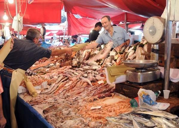Coldiretti il prezzo del pesce crolla fino a 0 1 euro al for Prezzo alluminio usato al kg 2016