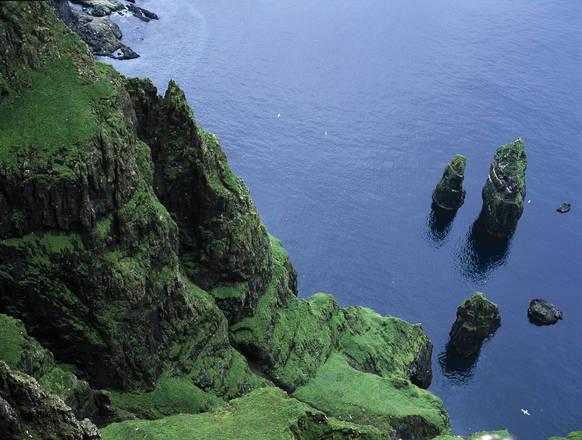 Far Oer: la scogliera di Beinisvord sull'isola di Sudhuroy