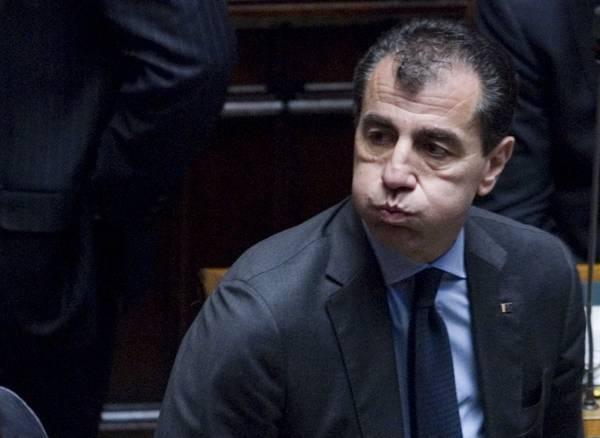 Il deputato del pdl mario milanese alla camera dei for Ordine del giorno camera dei deputati
