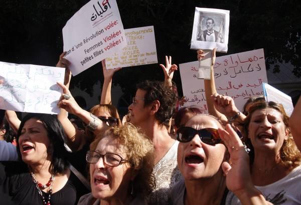 Protesta di donne tunisine