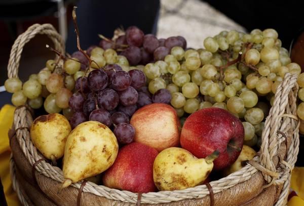 Un cesto di frutta