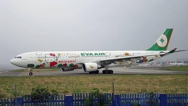 Un aereo della flotta Hello Kitty di Eva Air (Foto: CCY18999