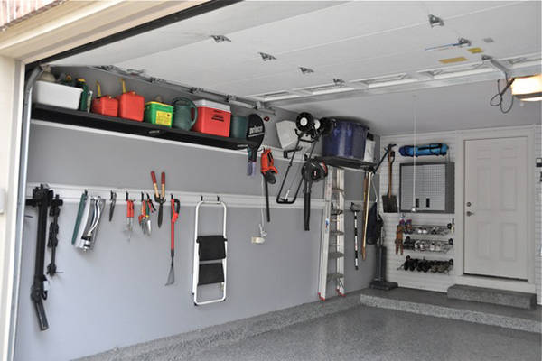 Usa famiglie svuotano garage per far spazio all 39 auto for Arredo box