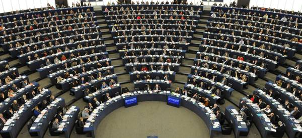 Europee primo dibattito tv tra candidati commissione ue for Parlamento diretta tv
