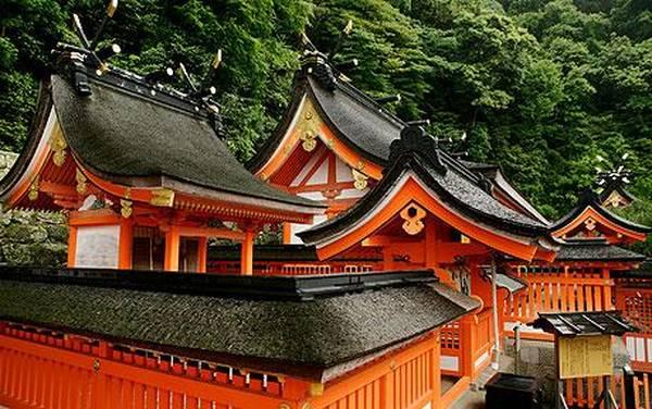 templi buddisti lungo la strada sacra di Koya