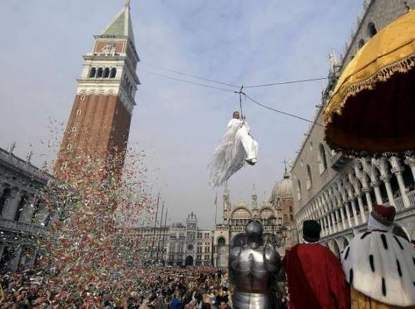 Carnevale in Italia: il volo dell'Angelo a Venezia