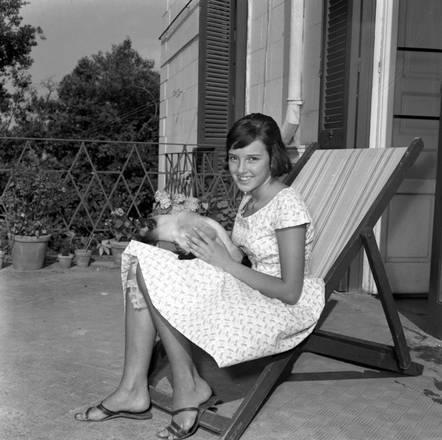 Risultati immagini per sofia loren al mare anni 50