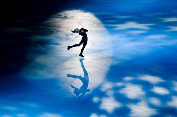 La pattinatrice canadese Joannie Rochette si esibisce durante i campionati di abilita' artistica, in corso a Pechino