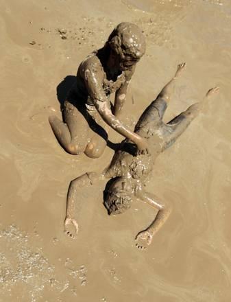 Pompei D.M: In Michigan tutti a bagno nel fango