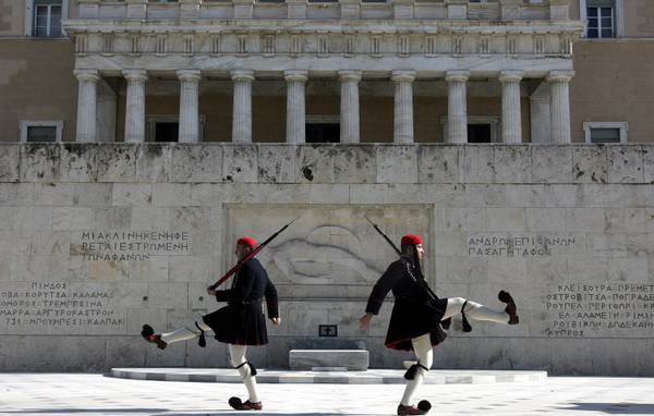 Presidential guards - Evzoni - in front of the mausoleum of the unknown soldier, Athens