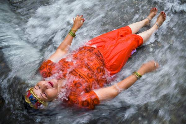 Grognards il bagno sacro dei pellegrini indu 39 - Bagno purificatore ...