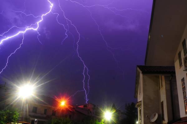 Pioggia, fulmini e raffiche di vento la scorsa notte a Cosenza