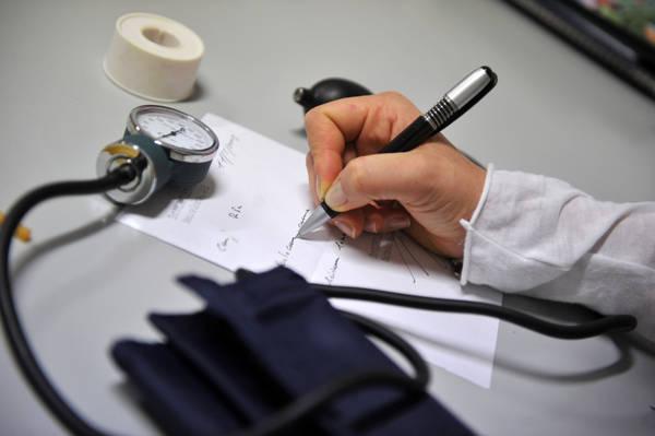 65% medici famiglia denuncia, italiani trascurano salute