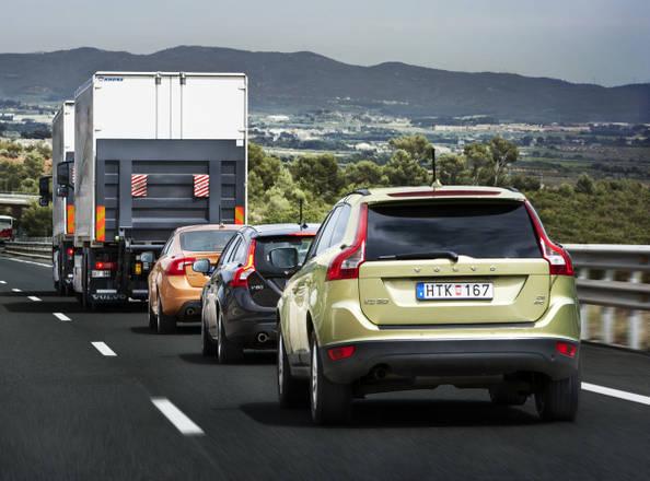 Volvo l 39 auto che si guida da sola e 39 gia 39 pronta norme for L auto che si guida da sola