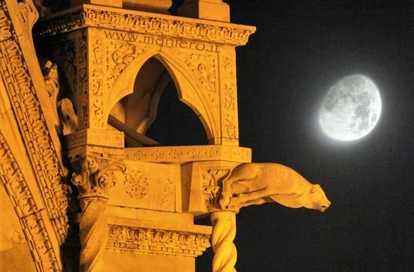 Appuntamento con la Luna nel cielo di ottobre (fonte: Marco Meniero www.meniero.it)