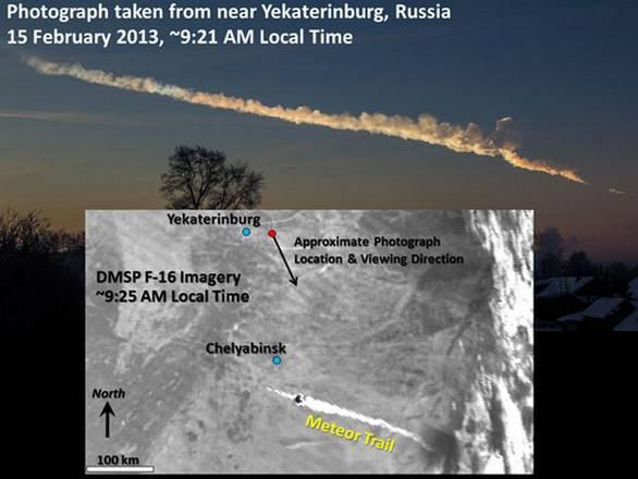 Il meteorite di Chelyabinsk studiato dai satelliti meteorologici (fonte: Alex Alishevskikh per la foto del satellite; Steven D. Miller, Colorado State University, per l'immagine satellitare)    .