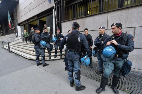 Adinolfi: processo blindato a Genova per i due anarchici