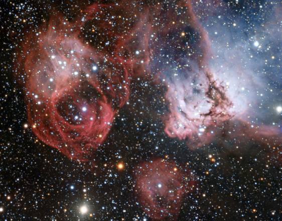 Fuochi d'artificio cosmici si accendono nella Grande nube di Magellano (fonte: Eso)
