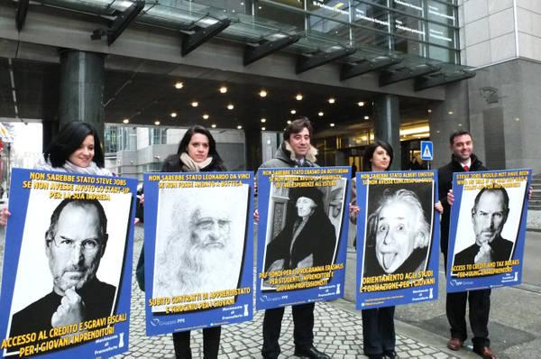 Al parlamento ue campagna per occupazione giovanile for Formazione parlamento