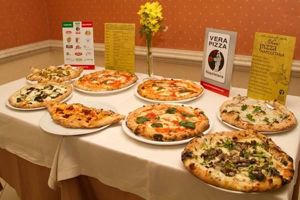 Risultati immagini per pizza napoletana doc