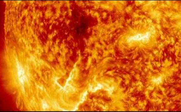 Eruzione solare del 31 gennaio 2013 (fonte: NASA)
