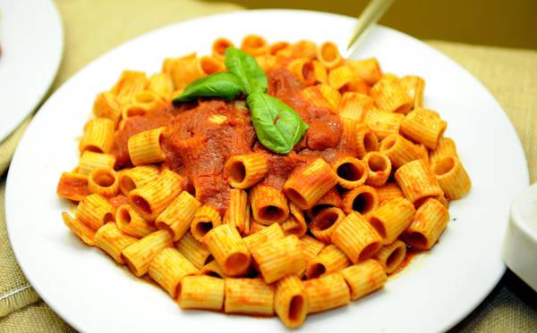 Pranzo addio solo pasta per un italiano su tre for Cibi tipici di roma