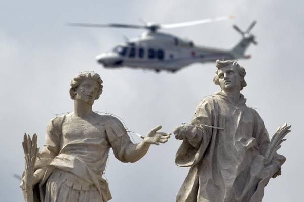 Elicottero Del Papa : L elicottero di papa francesco in volo photostory
