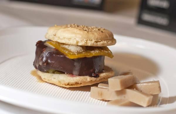 Primo hamburger artificiale 'in tavola' tra una settimana