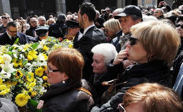 Addio A Enzo Jannacci  I Funerali Marted U00ec  L U0026 39 Ultimo Saluto