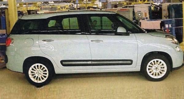 Svelata Sul Web La Fiat 500l Extra Large A 7 Posti Prove E Novita