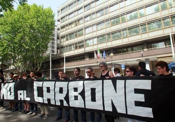 Manifestioni per dire stop al carbone