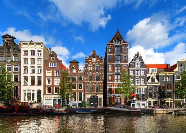 Festa sui canali di amsterdam in viaggio for Centro di amsterdam