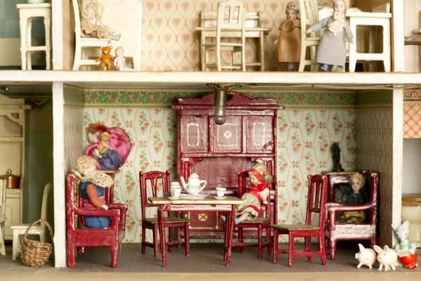 Le case delle bambole arrivano in mostra photostory