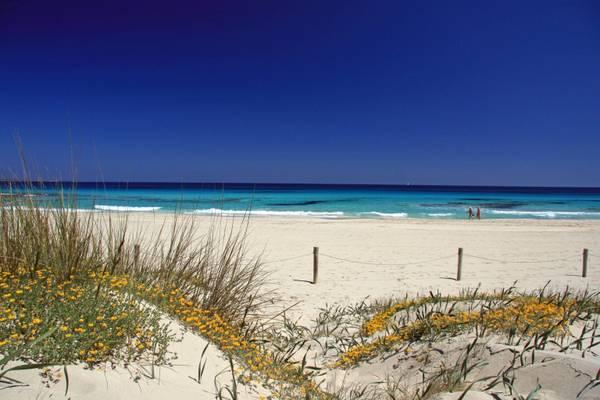 Eventi di maggio a formentera in viaggio - Formentera maggio bagno ...