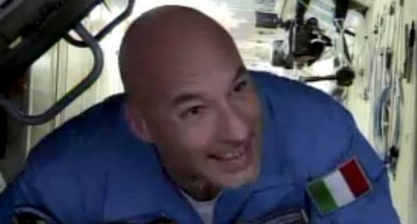 Luca Parmitano al momento dell'ingresso nella Stazione Spaziale (fonte: NASA TV)
