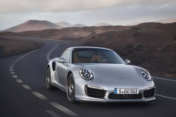 Nuova Porsche 911 Turbo, migliora prestazioni e consumi