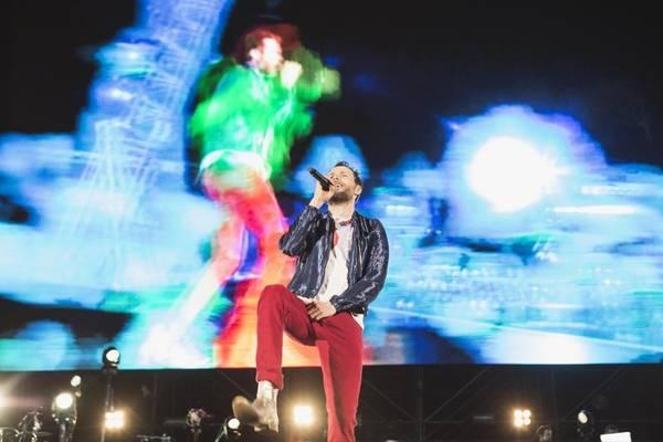 Un momento del concerto di Jovanotti allo stadio del Conero di Ancona, prima data del Backup Tour,  7 giugno 2013